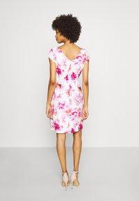 comma - KURZ - Day dress - white - 2