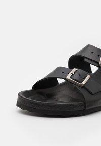 Bianco - BIACEDAAR - Pantofle - black - 5
