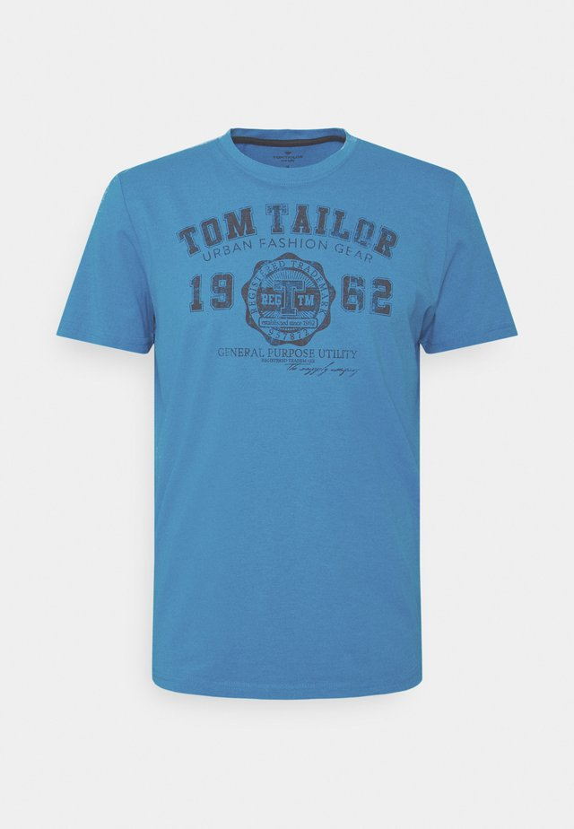 LOGO TEE - T-shirts med print - diva blue white melange
