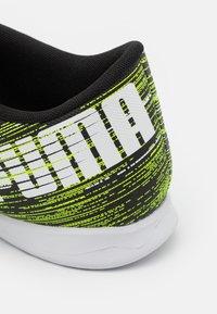 Puma - ULTRA 4.2 IT - Indoor football boots - black/white/yellow alert - 5