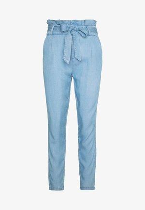 VMEVA PAPERBAG PANT  - Pantalon classique - light blue denim