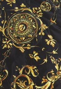 Versace Jeans Couture - REGALIA BAROQUE - Blouson Bomber - nero + oro - 5