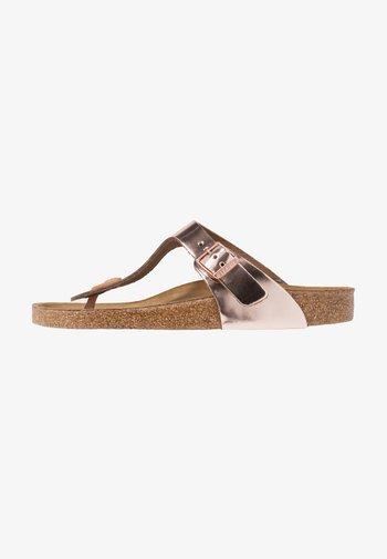GIZEH - Sandály s odděleným palcem - metallic copper