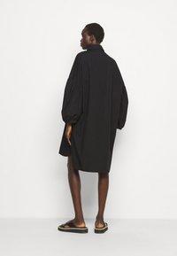 Henrik Vibskov - MOMENT DRESS - Košilové šaty - black - 2