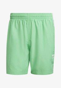 adidas Originals - 3-STRIPES SWIMS ORIGINALS ADICOLOR PRIMEGREEN SWIM SHORTS - Zwemshorts - green - 5