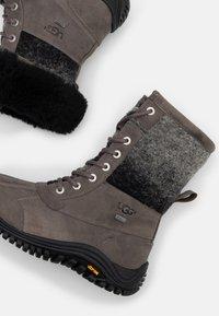 UGG - ADIRONDACK II - Winter boots - charcoal - 5
