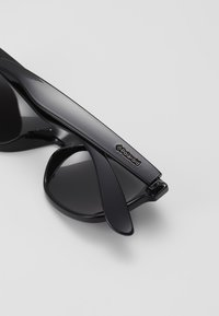 Polaroid - Gafas de sol - black/dark grey - 2