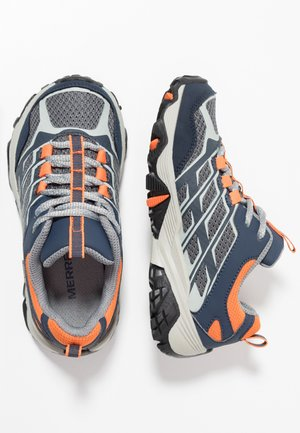 M-MOAB FST LOW WTRPF - Hiking shoes - navy/grey/orange
