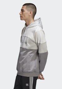 adidas Originals - BX-2O HOODIE - Hoodie - grey - 4
