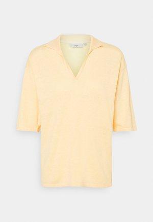 POLOMIA - Basic T-shirt - cornhusk
