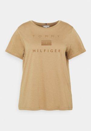 REGULAR FLOCK OPEN TEE - Print T-shirt - countryside khaki