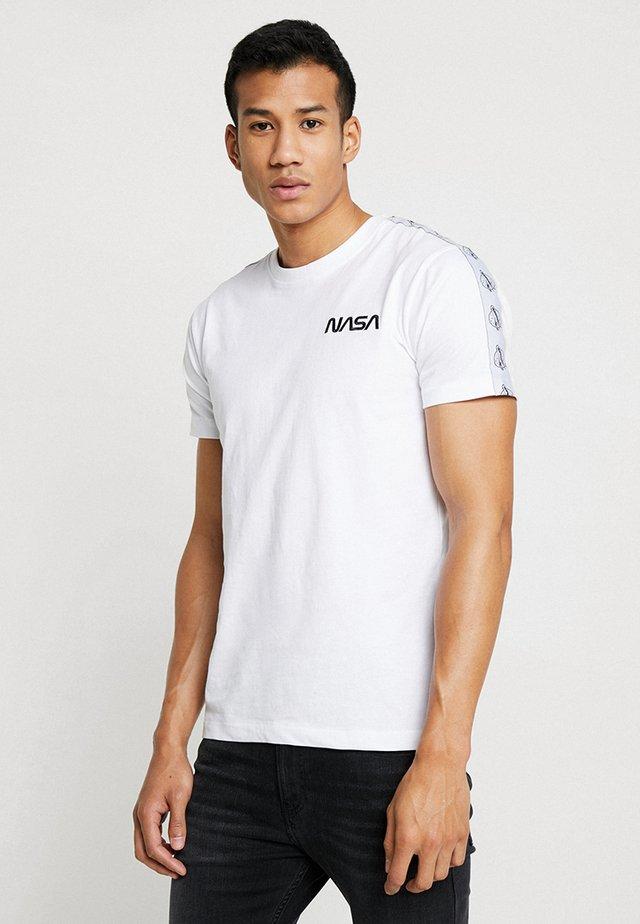 NASA ROCKET TAPE TEE - T-shirt print - white