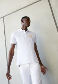 Versace Jeans Couture - Polo - bianco/gold - 2