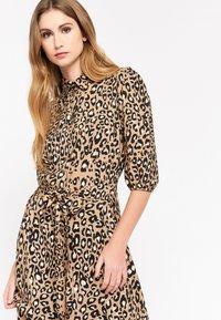 LolaLiza - LEOPARD PRINT - Shirt dress - brown - 4