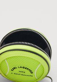 KARL LAGERFELD - RUE ST GUILLAUME TENNIS - Wallet - neon yellow - 2