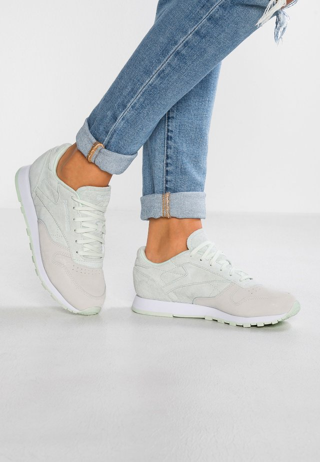 CL LEATHER NBK - Sneakers laag - white/opal