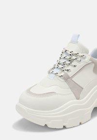 Glamorous - Sneakersy niskie - white - 7