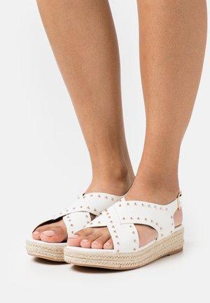 Sandales à plateforme - blanc