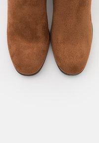 Tamaris - Høye støvler - cognac - 5