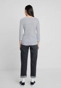 Benetton - STRIPE BOAT NECK TEE - Long sleeved top - white/black - 2