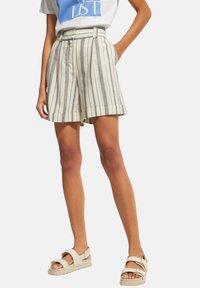comma casual identity - Shorts - white woven stripes - 5