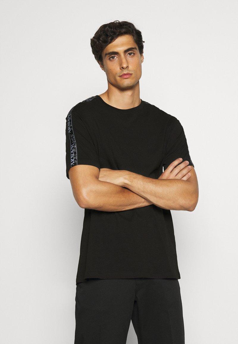 Armani Exchange - JUMPER - T-shirt print - black