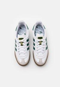adidas Originals - JEANS UNISEX - Trainers - footwear white/collegiate green - 3