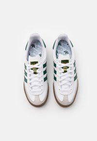 adidas Originals - JEANS UNISEX - Sneakers basse - footwear white/collegiate green - 3
