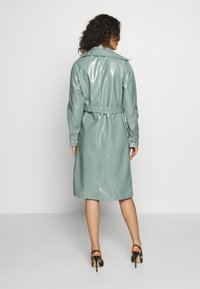 Missguided - TEXTURED TRENCH - Trenchcoat - green - 2