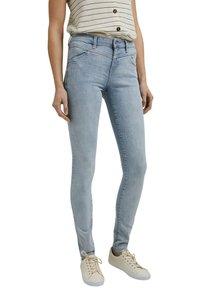 Esprit - Jeans Skinny Fit - blue bleached - 6