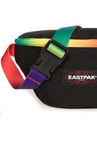 Eastpak - SPRINGER - Bum bag - rainbow dark - 5