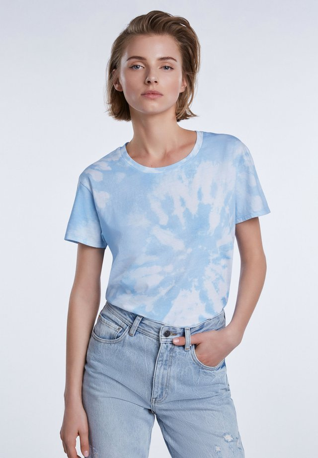 Print T-shirt - lt blue white