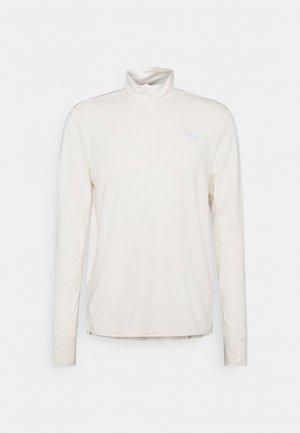 RUN FAVORITE 1/4 ZIP - T-shirt de sport - eggnog