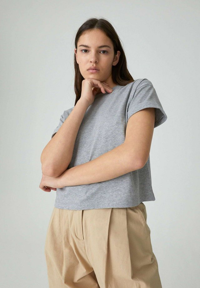 SELENA - Basic T-shirt - grey