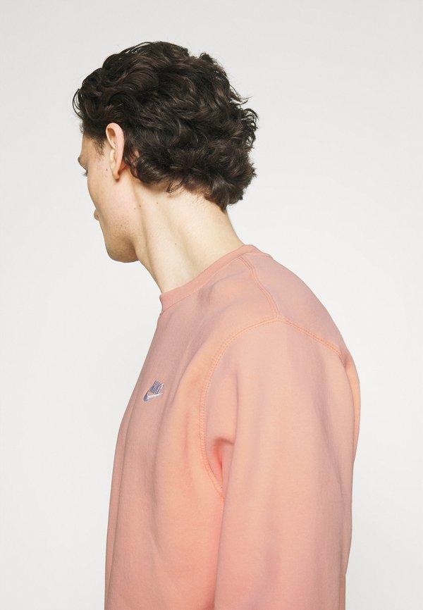 Nike Sportswear CLUB CREW - Bluza - arctic orange/pomarańczowy Odzież Męska HGLT