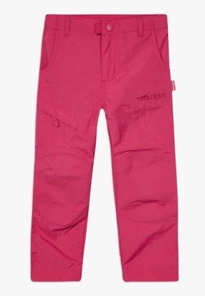 KIDS HAMMERFEST PRO SLIM FIT - Spodnie materiałowe - rubine red