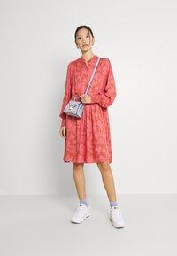 YAS - YASBEA DRESS - Abito a camicia - chutney bea - 1