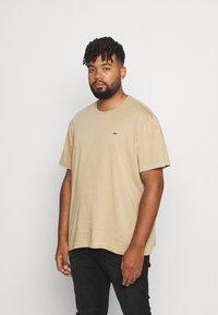 Lacoste - PLUS - T-shirt - bas - viennese - 0