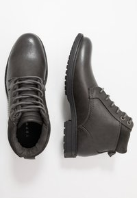 Topman - HUGIN BOOT - Stivaletti stringati - black - 1