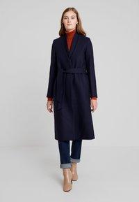 IVY & OAK - Classic coat - navy blue - 0