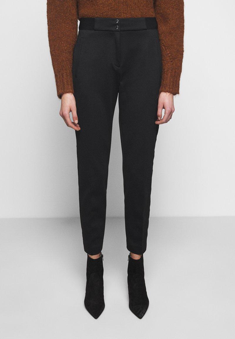 HUGO - HENELE - Kalhoty - black