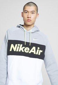 Nike Sportswear - AIR HOODIE - Huppari - smoke grey/black/white - 4