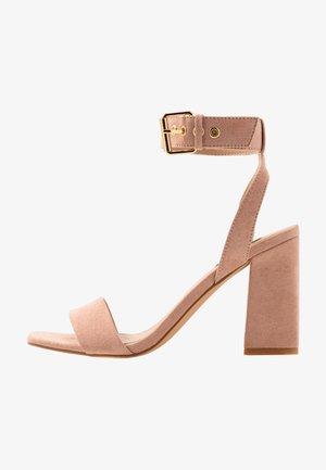 ONLALYX  - Korolliset sandaalit - nude