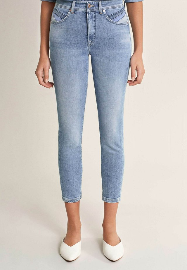 SECRET GLAMOUR PUSH IN CAPRI - Slim fit jeans - blau