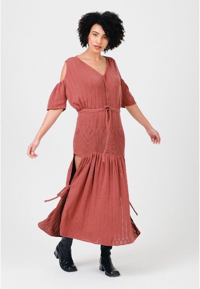 Maxi dress - clay red