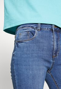 New Look - SUPERSOFT - Jeansy Skinny Fit - mid blue - 4