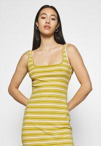 Glamorous - MAYA MIDAXI DRESS WITH WIDE STRAPS - Sukienka etui - green orange - 3