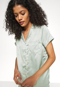 Loungeable - TRADITIONAL SHORT SLEEVE SHIRT  - Pyjama - green - 3