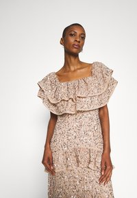 Maya Deluxe - BARDOT ALL OVER SEQUIN MAXI DRESS WITH RUFFLES - Vestido de fiesta - taupe blush - 3