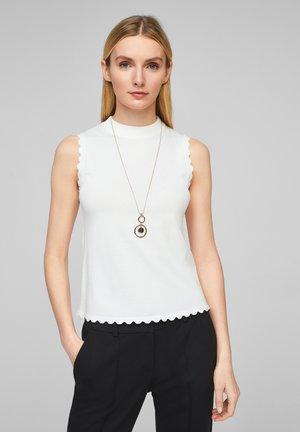 MIT MUSCHELSAUM - Pullover - soft white